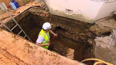 Udgravning af kælder under eksisterende hus
