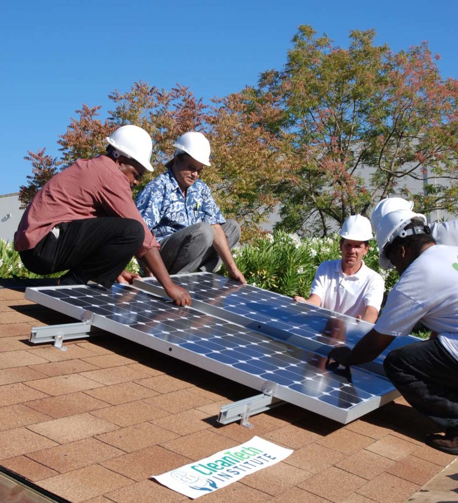Solcelleanlæg - Gør det selv eller modtag 3 gratis tilbud