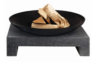 Bålfad med firkantet granitfod