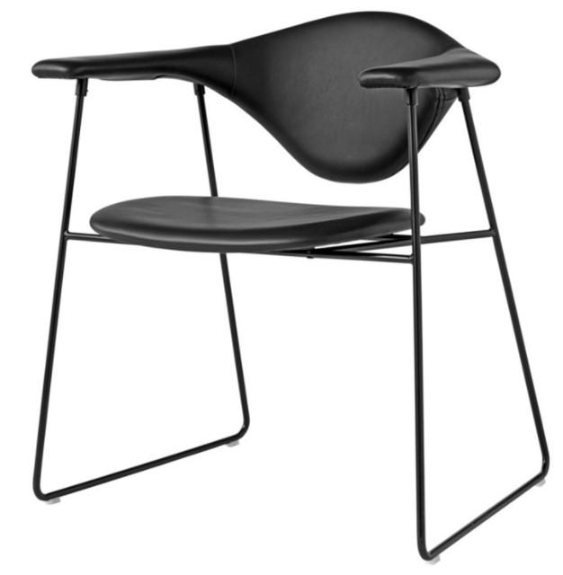 Gubi Masculo – Spisebordstol i dansk-italiensk design
